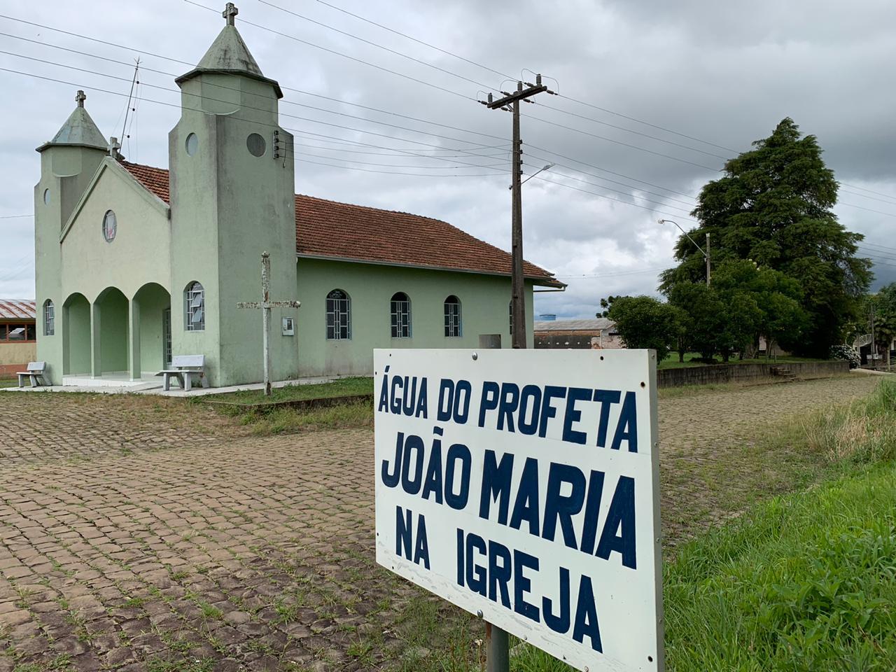 foto mostra a igreja onde o profeta João Maria atuava