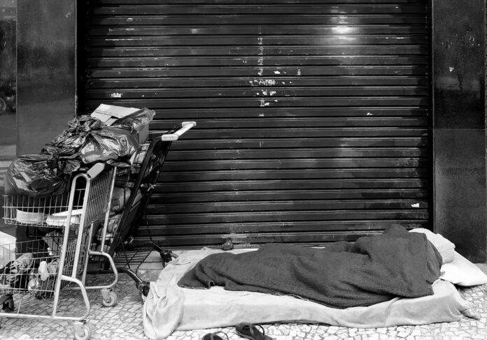 doar roupas e cobertores em Curitiba